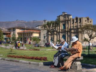 City tour em Cajamarca - Visita a Catedral - Paisagens andinas