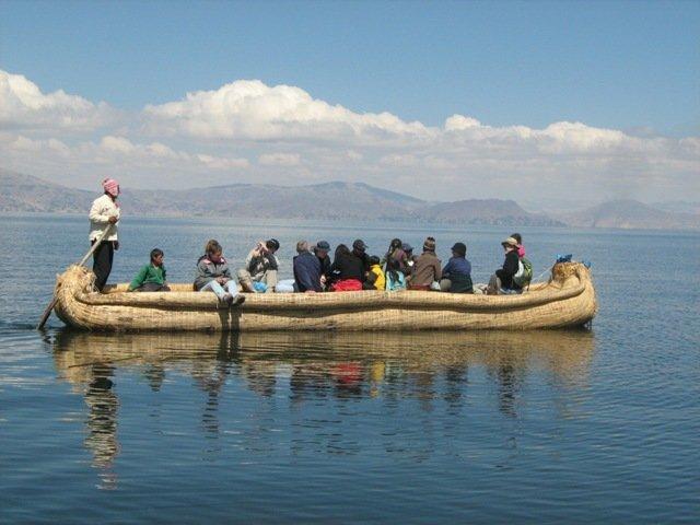 Navegação Ilhas Flutuantes dos Uros e Ilha Taquile