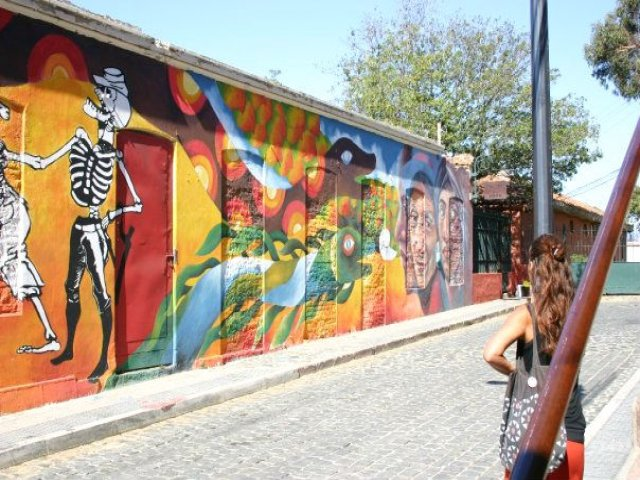Excursão regular Valparaiso, Neruda e Visita ao Vinhedo orgânico (Inclui Entradas)
