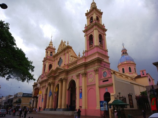 Voo a cidade de Salta - Visite seu Centro Histórico