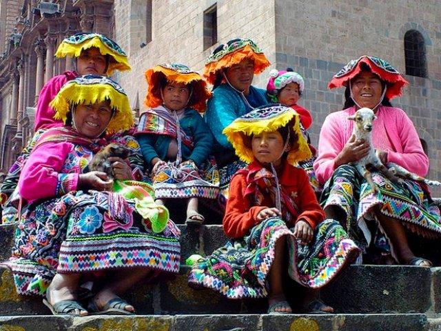 Puno rumo à Cusco: Uma estrada de vilas andinas e muita cultura