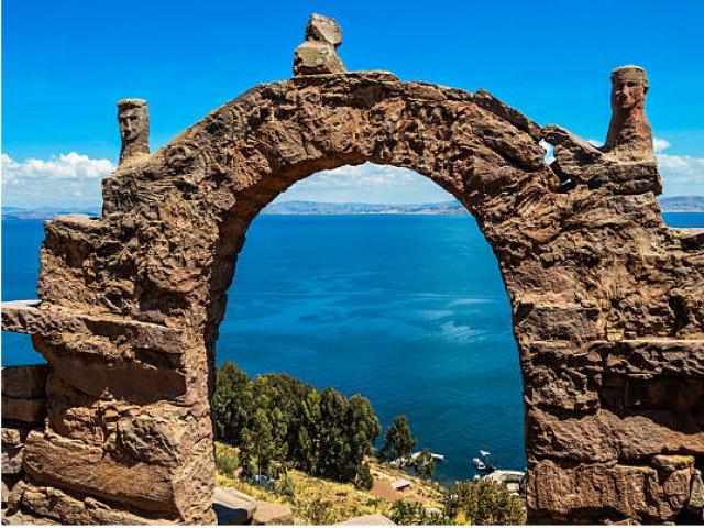 Ida a Copacabana e Navegação a Ilha do Sol - Chegada a La Paz