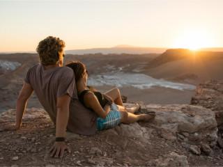 Pôr do Sol com queijos e vinhos no Atacama
